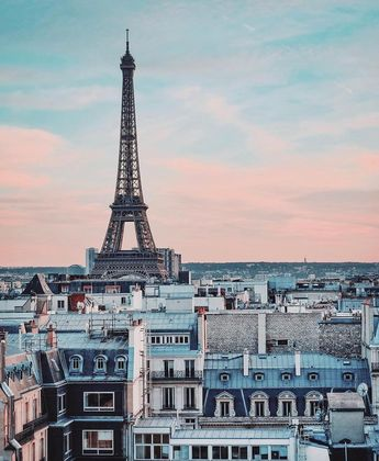 "Gossip Room on Instagram: ""Un beau samedi à Paris ☁️ 📸: @seb_gordon #paris #france #weekend #saturday #beautiful #day #toureifell  #eiffeltower"""