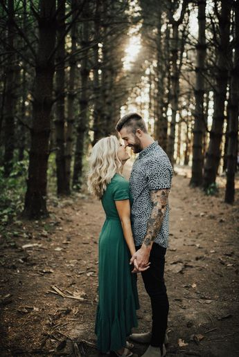 #meredithgravesphotography Smile, a moment from the engagement session in the woods, shot by Kansas City based Meredith Graves Wedding Photography. #engagement #engagementphotos #couples #couplephotography
