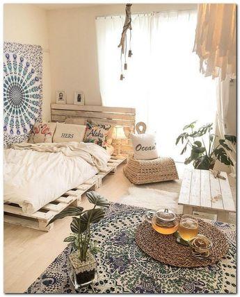 43 Rustic Bedroom Ideas That'll Ignite Your Creative Brain #rusticbedroomideas #ignitebedroomideas #creativebrainbedroom   gratitude41117.com