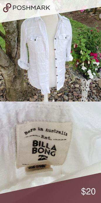 Billabong Button down Top Great Pre-owned condition Size medium Billabong Tops Button Down Shirts