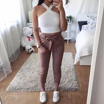 Pants: @dollygirlfashion