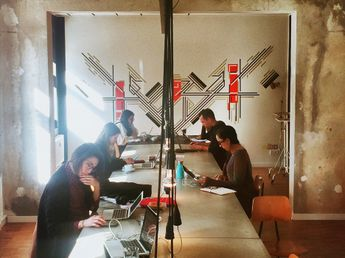 Starting a new freelance life in a coworking space   Deskmag   Coworking