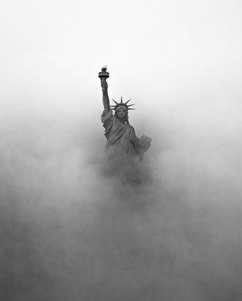 Statue de la Liberté dans le brouillard