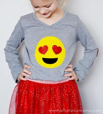 DIY Heart Eyes Emoji Shirt