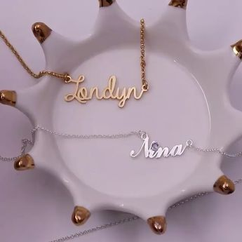 🌟🌟 Show the world who you are. 💞💋 Personalize necklace with your name on it. 💃🎁 Fit any style.