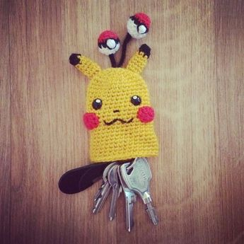 5a4a04e3e6d Pikachu Key Cosy - free crochet pattern at My Little Cute Amis.