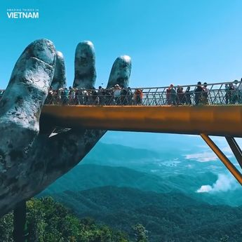 Special architecture on the Golden bridge on Ba Na Hills, Da Nang, Vietnam #travel. See the extended version after the click! #vietnam #vacation