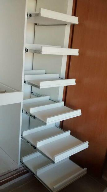 Módulo de bandejas extraíbles para zapatos: vestidores de estilo por areté estudio diseño interior +showroom