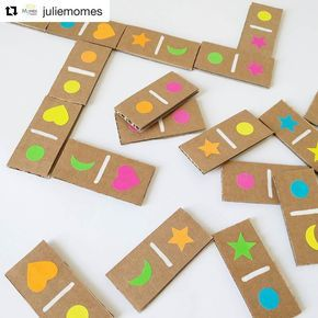 We are a great fan of @juliemomes who creates gorgeous #kidscrafts101 projects! Like this easy peasy #cardboardcraft ! ・・・ Les dominos…