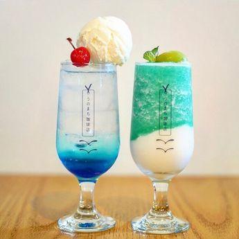 """Sucle gourmet on Instagram: """"奈良にある、うのまち珈琲店♡  こちらは、ツートンラッシーの青リンゴとマスカットクリームソーダです💭  さわやかカラーが夏にぴったりで、スッキリ飲めそう🌞  ぜひチェックしてみてください! 〒634-0812 奈良県橿原市今井町4丁目3−6 11:00-19:00  photo…"""""""