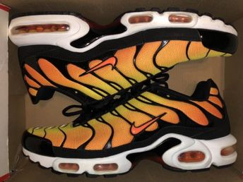 6507632f15dcb0 Details about New NIKE AIR MAX PLUS TN GREEDY AV7021-001 Black Tour Yellow
