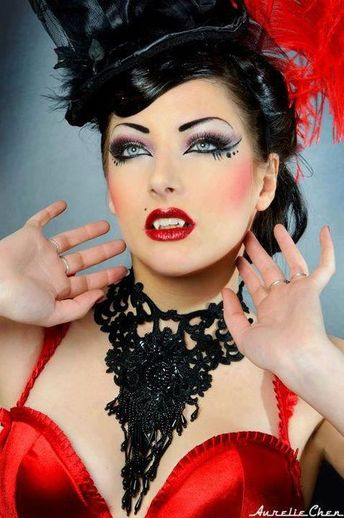 Oh la la !! french cancan saloon girl choker made of lace and beads
