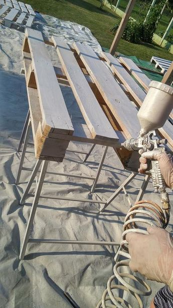 This Poolside Patio Built Entirely From Pallets is a DIY Dream