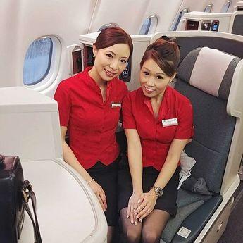 Follow ✈️ @asianflightattendent at @cathaypacific  with @pinkpinkyanyoga  _______________________________________________________ #asianflightattendant #asiancabincrew #flightattendant #cabincrew #客室乗務員 #기내 #空姐 #空乘 #inflight #cabincrew #aircrew #crewfie #cabincrewlifeatyle #cathaypacific