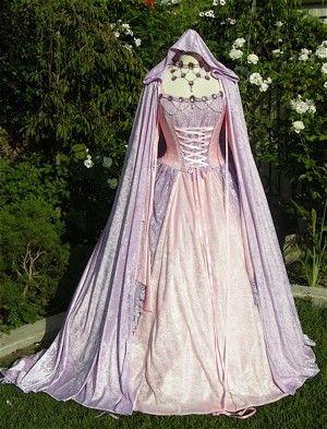 Gwendolyn fée médiévale ou Renaissance robe de par RomanticThreads