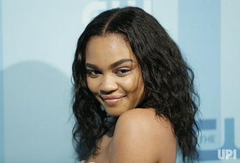 China Anne Mcclain Arrives On The Red Carpet At The  Cw Upfront At The London