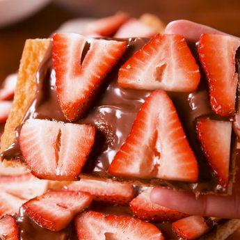 Nutella Strawberry Crescent