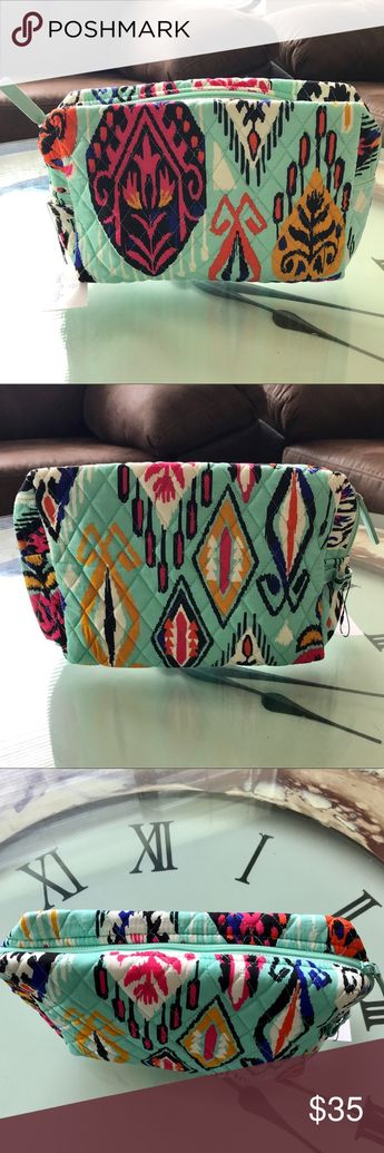 """NWT Vera Bradley Large Makeup Bag - Pueblo NWT Vera Bradley Large Makeup Bag  Pattern: Pueblo   Measures 10""""W x 6 1/4""""H x 3 1/4""""D  Zip around top with side loop for carrying.  Lined in mint green with logo print. Vera Bradley Bags Cosmetic Bags & Cases"""