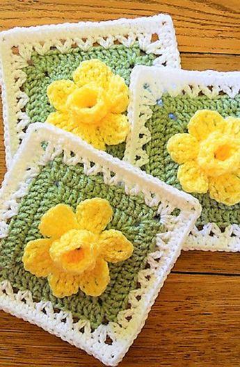 [Free Pattern] Extraordinarily Beautiful Daffodils Square