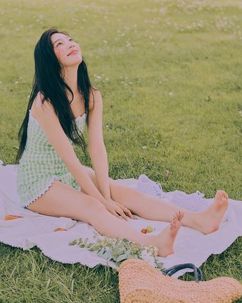 "Joy on Instagram: ""내가봐도예쁘네...❤️ 예쁘게 찍어주셔서 감사합니당🥰"""
