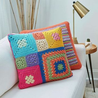 "1,364 Beğenme, 7 Yorum - Instagram'da ŜoỖoḾả (@3sm3m): ""#crochet#crocheting#handmade#yarn#pattern#instagram#amigurumi#craft#following#crafts#amazing#cute#flower#like4like#follow#hook#elegant#yarns#followme#knitting#kint#crochetaddict#insta#fashion#love#awesome#crochetlove#picture#photography#crocheted"""