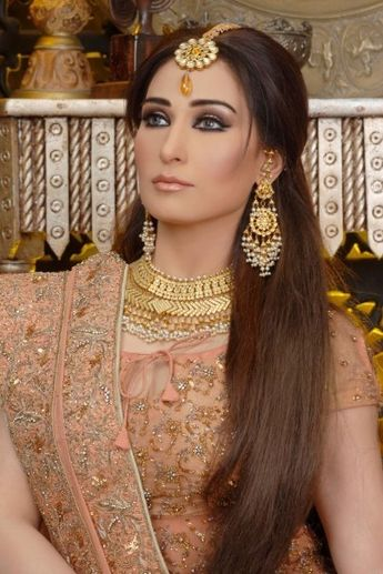 Pakistani Bridal Hairstyles Mehndi Makeup Ideas And Images