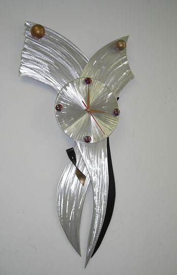 Retro clock design by Tony Viscardi, Abstract clocks of all kind and retro clocks is a favorite
