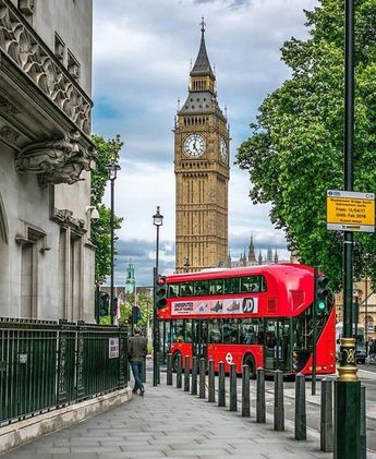 If you wish to go to a museum, art gallery or theatre, London is the best place to visit. It is house to a vast range of museums of all different types.