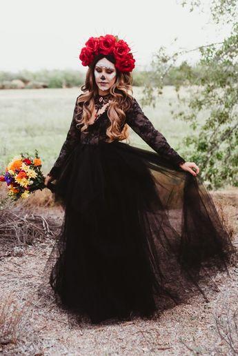 Day of the Dead Weddings: Inspiration for your Día de Los Muertos Celebration