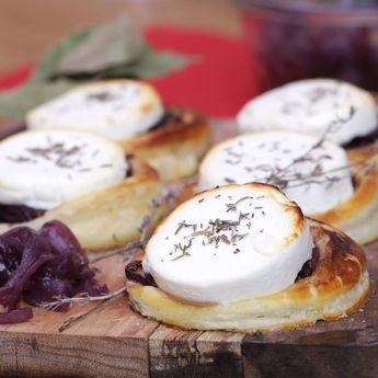 En apéritif ou pour un buffet, misez sur la gourmandise avec les tartelettes aux oignons caramélisés et aux palets de chèvre Soignon