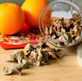 Chinese New Year Snacks - Crispy Seaweed Popiah Skin with Toasted Sesame