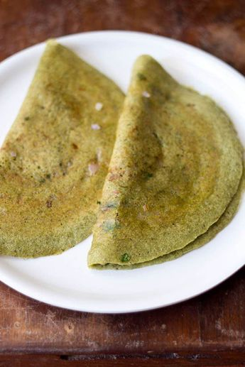 Pesarattu Dosa Recipe with step by step photos – Pesarattu Dosa or Moong Dal Dosa is a popular breakfast recipe of Andhra Pradesh. #moongdaldosa #PesarattuDosa #Pesarattu #dosa