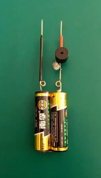 Just use 3 components to make a switching indicator - #Components #electronic #indicator #switching