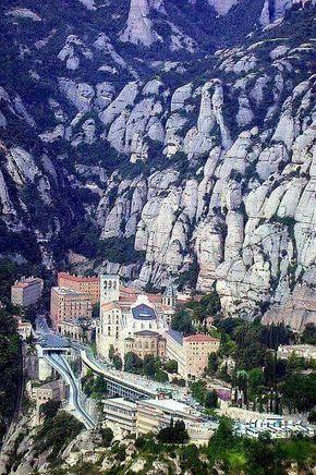 Montaña Magica y Montserrat-Barcelona. ESPAÑA EUROPA