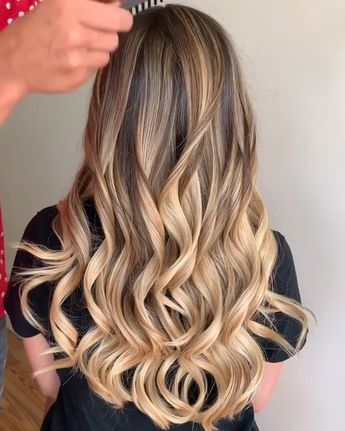"KEY KUAFÖR®️ on Instagram: ""Kum sarısı etkisiyle ✍️ #hair #hairstyle #instahair #toptags #hairstyles #haircolour #haircolor #hairdye #hairdo #haircut #longhairdontcare…"""