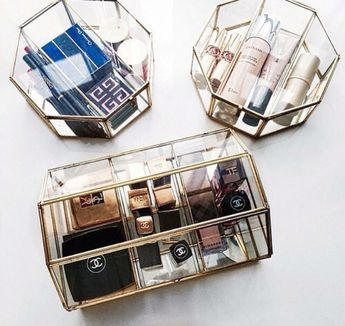 THESE MAKEUP ORGANIZERS PLEASE on The Hunt