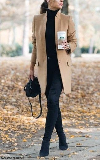 Set: light brown coat, black turtleneck, black skinny jeans, black ankle boots