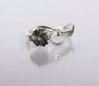 dc212820a1334 Meteorite Ring with Sterling Silver and Campo del Cielo -