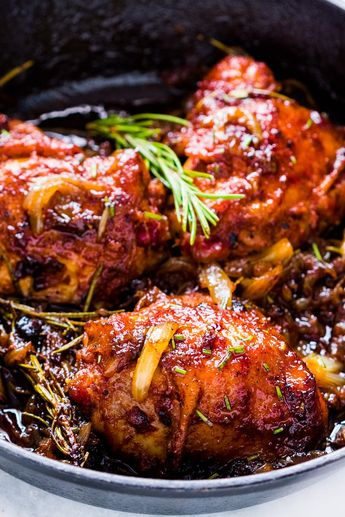 Caramelized Onion Rosemary Chicken Thighs
