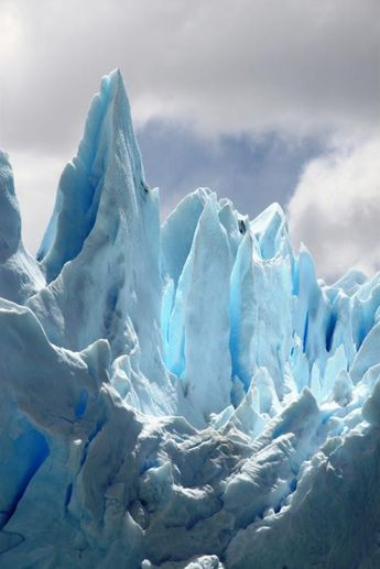 the ice is a beautiful turquoise blue....so pretty