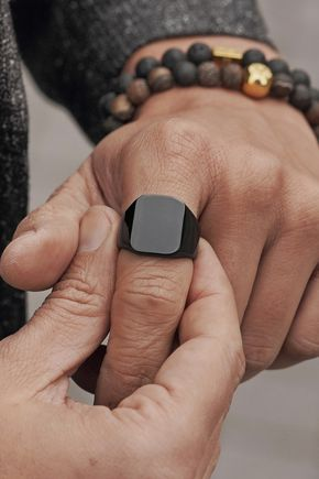 Thick, comfortable and super stylish. This ring, crafted from superior surgical steel, slips on easily and stays looking great.   Coated with a black finish and polished to perfection. Comes in a chic Trendhim bag. #trendhim #lucleon #menstyle #ring #mensring #blackring #metalring #shinyring