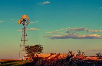 Windpomp in sunset