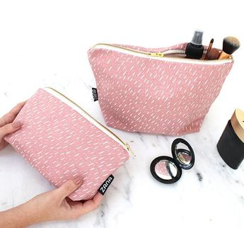 Specks Pattern Toiletry Bag - Cosmetics Bag - Travel Bag - Pink f7c4df75a0331