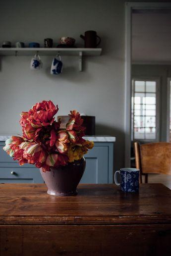 Årets första semla och fluffiga tulpaner (Anna Cate)