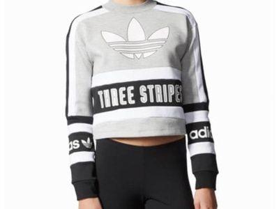 Berlin Trefoil Sweatshirt by adidas Orignals (1,430 MXN