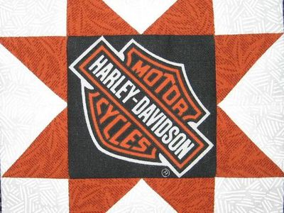 "30 6/""HARLEY DAVIDSON Logo Red flames Black Quilt Fabric Squares"