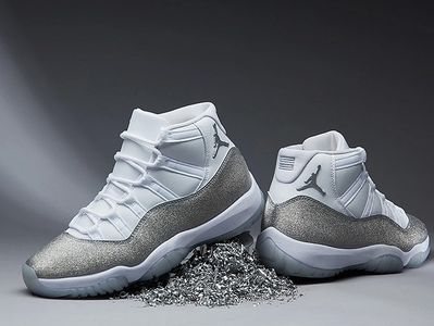 Jordan 11 Retro White Metallic Silver