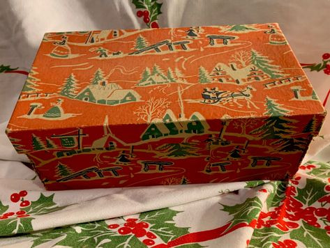 Vintage christmas box Poinsettias 1950s vintage christmas ephemera empty box 11.5 by 8.25 by 1 inches gift box with lid