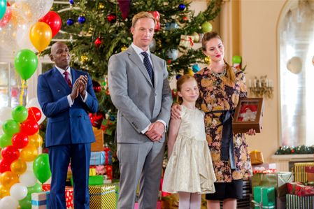 Its A Wonderful Movie Your Guide To Family And Christmas Movies On Tv Hallmark S C Hallmark Christmas Movies Family Christmas Movies Christmas Movies On Tv