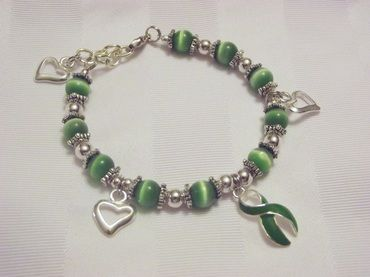 Green awareness bracelet with heart charms!!!